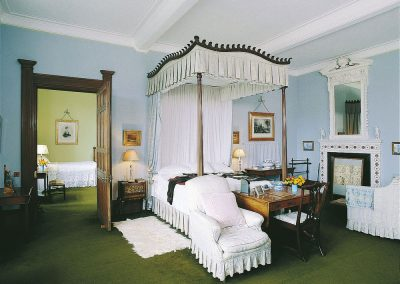 THE WEDGWOOD BEDROOM